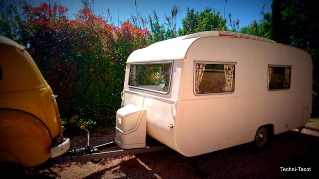 Dcorer une vieille caravane caravane baba yaga tricot - Renover une caravane ...