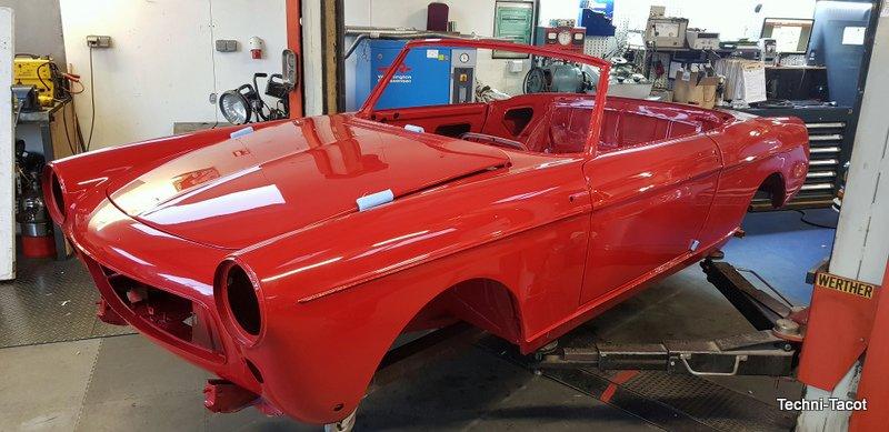 Restauration cabriolet peugeot 404 injection