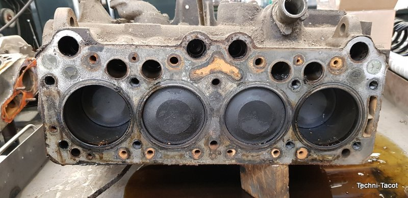 démontage culasse moteur peugeo t 404 injection peugeot