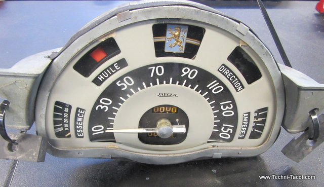 planche de bord tableau peugoet 203 coupé