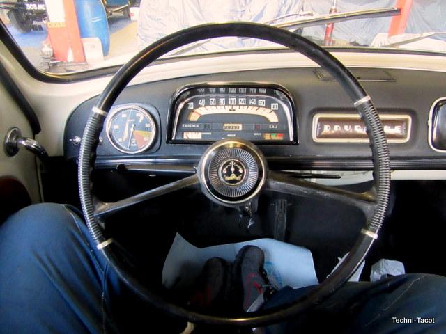 Volant Renault Dauphine 1093