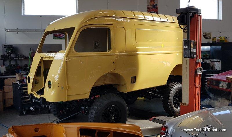 carrosserie renault R2087 ambulance