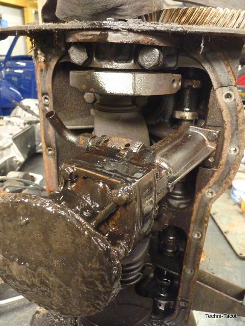 pompe à huile reanult R2087