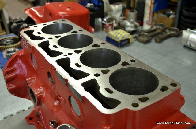 bloc moteur B20 volvo P1800