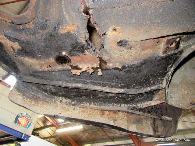 plancher ford vedette cabriolet.JPG