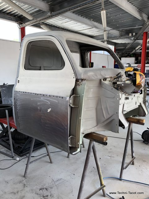 reconstruction tolerie châssis cabine renault prairie colorale