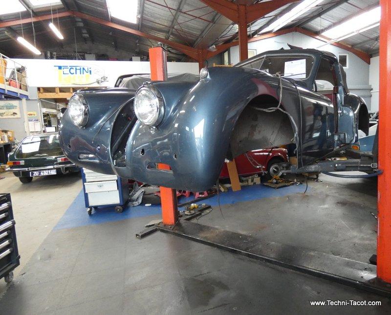 séparation caisse châssis jaguar XK 120