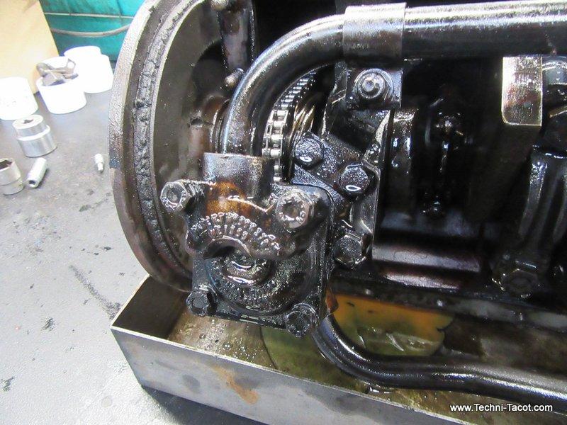 https://www.techni-tacot.com/wp-content/uploads/2019/11/restauration-moteur-6-cylindre-jaguar-xk120-techni-tacot-5.jpg